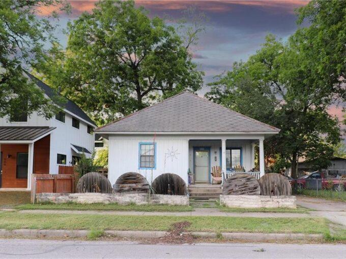906 E 2nd St, Austin, Texas 78702